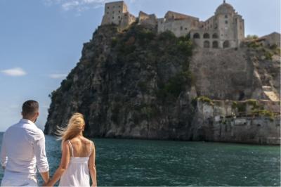 Jay Octavouj auf Ischia