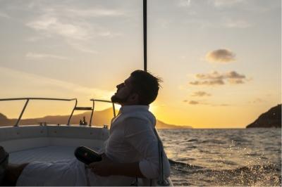 Jay Octavouj im Sonnenuntergang